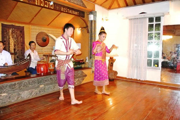 danse- traditionnel-laos