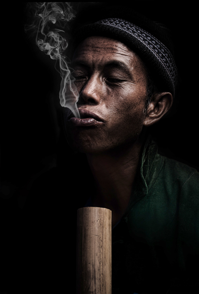 Smoking_man_Sapa