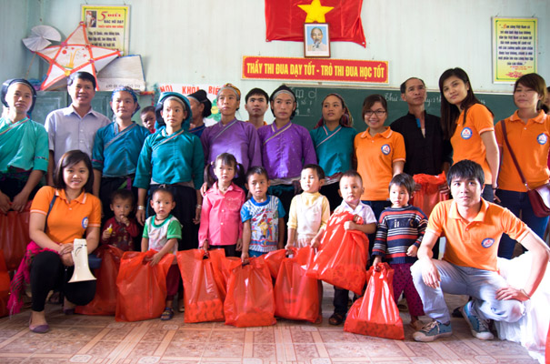 Mission humanitaire à Xi Man, Ha Giang
